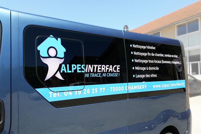 Marquage adhésif + impression numérique haute qualité sur vitrage véhicule
