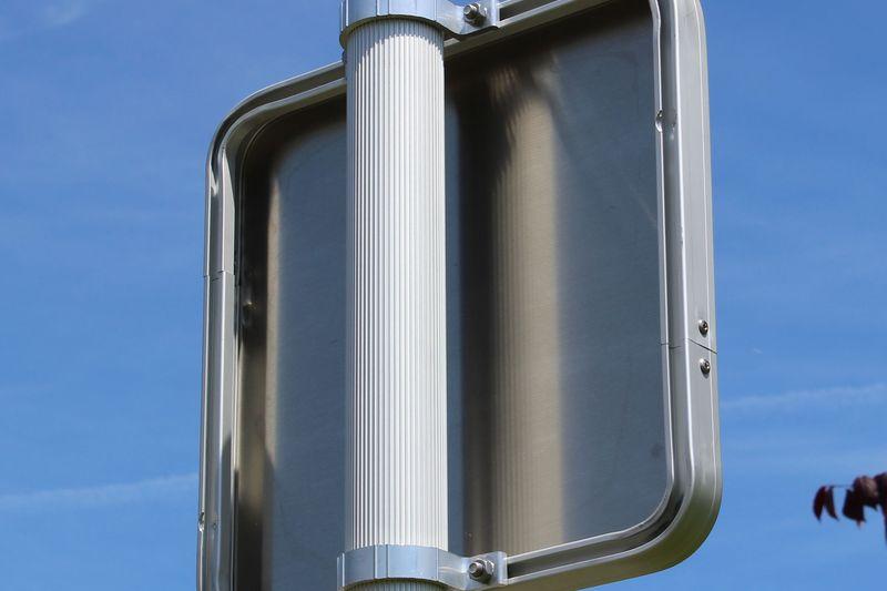 Panneau de signalisation rail 30mm face aluminium prélaquée blanc